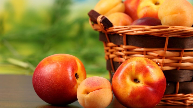 Абрикос и персик – что это и отличия